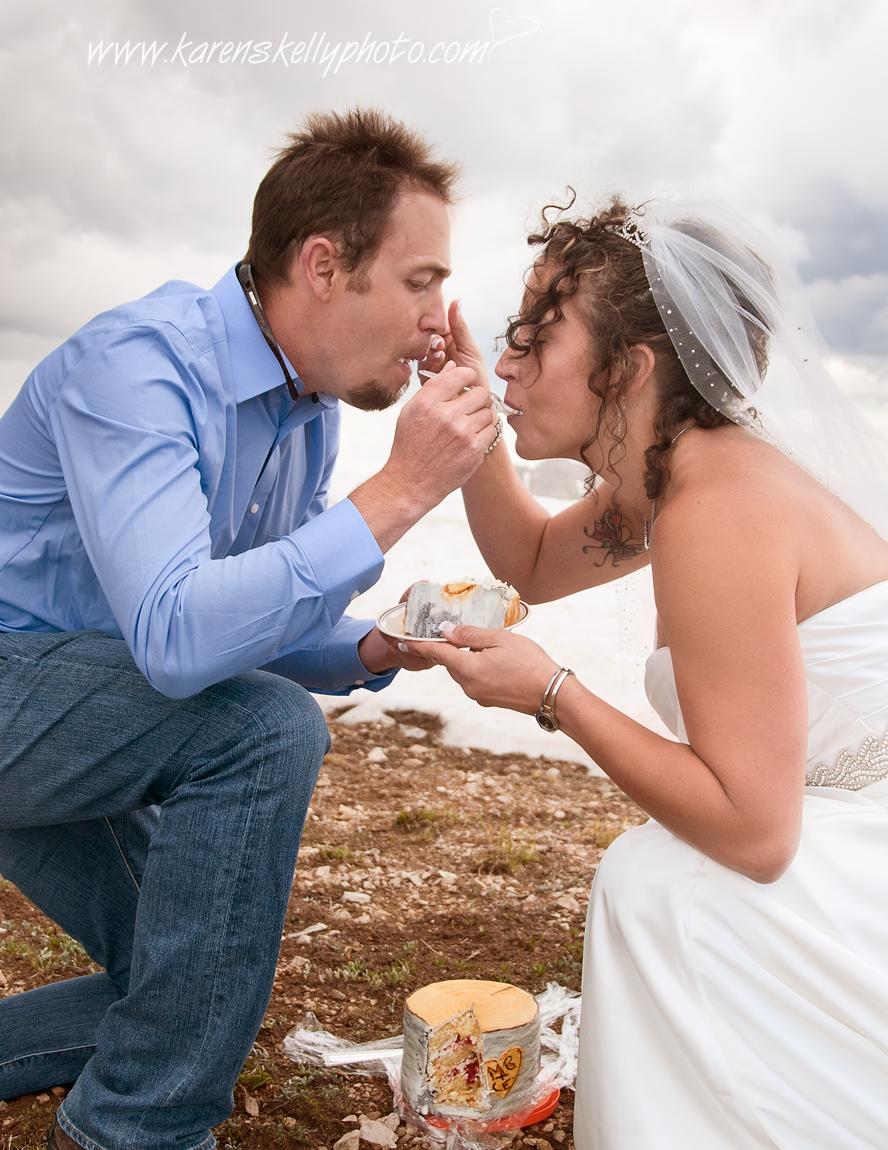 Wedding Cake Photohraphy Eating