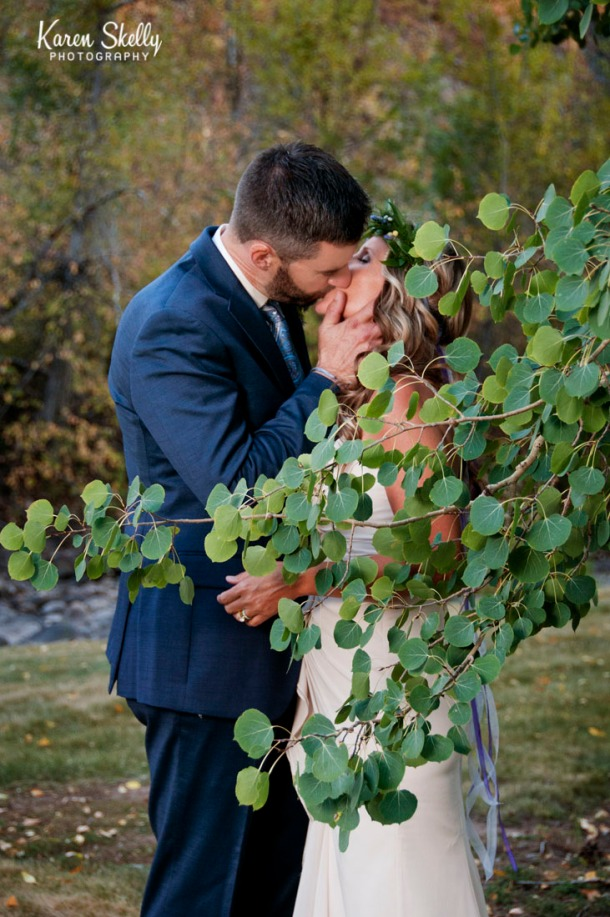Bride and Groom kissing by Photographers in Durango CO, Durango CO Photographers, Durango Wedding Photographers, Wedding Photographers in Durango CO