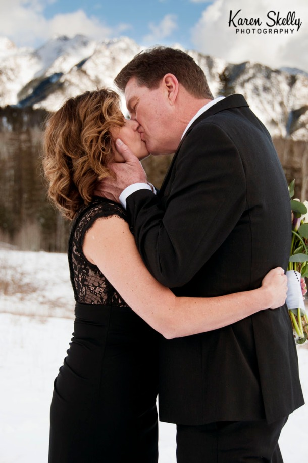 Bride and Groom kiss after wedding ceremony, photographers in durango co, durango co photographers, durango wedding photographers, durango photography, wedding photographers in durango co